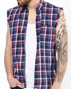 Know how to rock with men's flannel shirt in this Summer. Flannel clothing store have the best collection of flannel shirts for men. Mens Flannel Shirt, Plaid Flannel, Red Plaid, Flannel Outfits, Flannel Clothing, How To Wear Flannels, Wardrobe Solutions, Oversized Flannel, Collar Styles