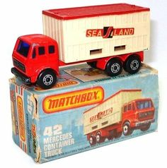 LESNEY MATCHBOX NO. 42 MERCEDES CONTAINER TRUCK - BOXED - http://www.matchbox-lesney.com/?p=16847