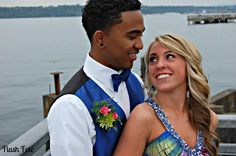 Couples Pose for Proms | Couples photography Cute prom pose | Prom And Senior Picture Ideas