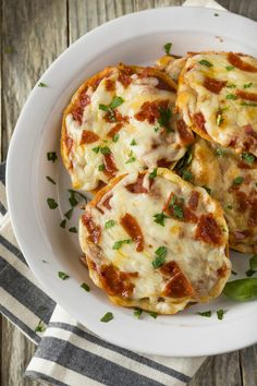 Pizza Appetizers, Appetizer Recipes, Bagel Recipe, Italian Cheese, Grilled Pizza, Sandwiches For Lunch, Frozen Spinach, Pizza Recipes, Quick Meals