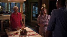 "Burn Notice 5x07 ""Besieged"" - Madeline Westen (Sharon Gless), Jesse Porter (Coby Bell) & Denise O'Lear (Michele Nordin)"