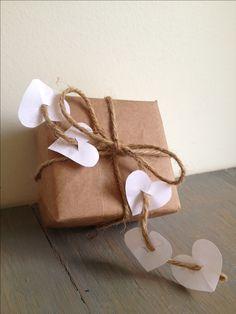 Simple Valentine gift wrap