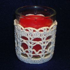 Lacets Votive Holder Cover - A free Crochet pattern from Julie A Bolduc. Crochet Home Decor, Crochet Crafts, Knit Or Crochet, Free Crochet, Crochet Jar Covers, Votive Holder, Mason Jar Crafts, Tea Lights, Creations