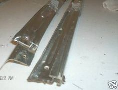Front Garnish & Seal Rail 450SLC Right 1076981080 1077251665