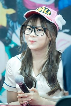 dedicated to female kpop idols. South Korean Girls, Korean Girl Groups, Kim Ye Won, Jung Eun Bi, G Friend, Kpop, With All My Heart, Funny Images, Girlfriends
