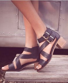 double ankle strap leather sandals http://rstyle.me/n/wjf8zr9te