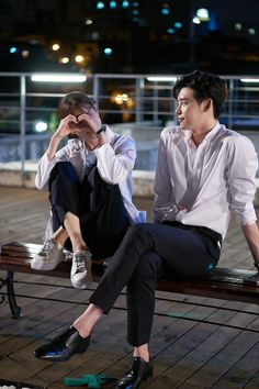 "Lee Jong Suk as Kang Chul Han Hyo Joo as Oh Yeon Joo drama ""w - two worlds"" . Han Hyo Joo Lee Jong Suk, Lee Jung Suk, Lee Jong Suk Cute, Kang Chul, Seo Kang Joon, W Kdrama, Kdrama Actors, Korean Celebrities, Korean Actors"