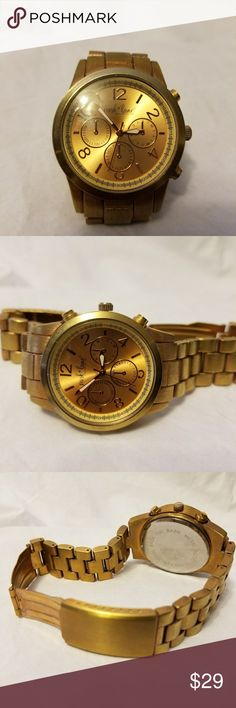 Park lane Women Watch Great conditions. Needs a battery. This item may have been worn but has no visible signs of wear and tear. Thank you for looking in my closet . Park Lane Accessories Watches