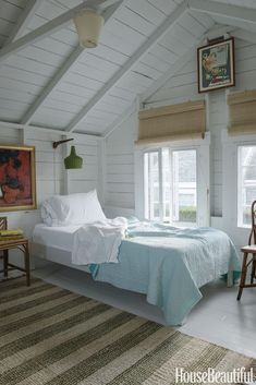 Nantucket Style Chic Design Inspiration & House Exteriors Tranquil bedroom in a rustic Nantucket cottage. COME TOUR MORE Nantucket Style Chic & Summer Vibes! Nantucket Cottage, Beach Cottage Style, Beach Cottage Decor, Coastal Cottage, Coastal Decor, Nantucket Decor, Nantucket Style Homes, Nantucket Beach, Maine Cottage