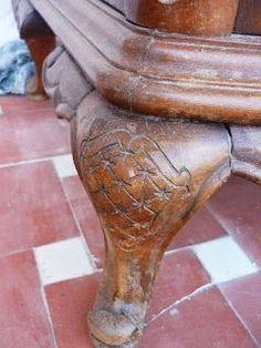 restauracion y decoracion de madera: Limpiar el mueble con talla o grabado