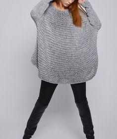 Suéter de mujer de gran tamaño / Knit sweater en color gris