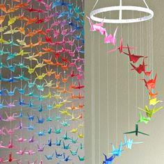Grullas de papel de colores