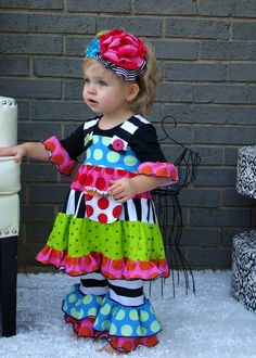Girls Euro Stripy Dot Ruffle Leggings by by izzybellyco-- love this whole outfit!