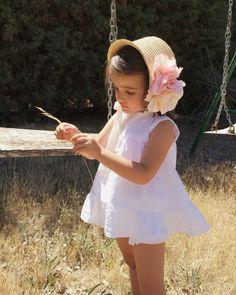 Capota de paja de Sorella Kids Fashion, Flower Girl Dresses, Umbrellas, Wedding Dresses, Children, Baby Girls, Cute, Clothes, Room