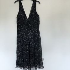 MARK DOWN!WhiteHouse BlackMarket Dress Never worn! Partial tag still attached. Zipper in back White House Black Market Dresses Midi