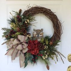 My grand daughter Emily would love this! Grapevine Wreath, Rustic Wreaths, Owl Wreaths, Country Wreaths, Wreaths For Front Door, Holiday Wreaths, Holiday Crafts, Christmas Decorations, Wreath Ideas