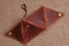 Handmade Triangle Leather Coin Purse Hand Stitched door BunnysGoods