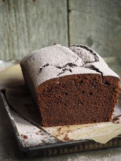 Sjokladekake (chocolate cake) with coffee and cinnamon Baking Recipes, Cake Recipes, Healthy Recipes, Chocolate Cake With Coffee, Norwegian Food, Danish Food, Afternoon Snacks, Bread Baking, Baked Goods