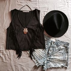 """v cut fringed top NWT. Never worn. Great Condition. Size M, fits slightly small. Bust is approx. 17.5"""" across and Length is approx. 18.5"""". Material is 87% Polyester and 13% Elastane. [ necklace and hat are Not for sale ]. Not Modeling. No Hold. No Trade. Price is Firm. Zara Tops"""