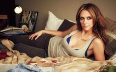 HD #Sexy_Hollywood #Actresses Wallpaper. http://alliswall.com/hollywood-actresses/jennifer_love_hewitt_relaxing_in_her_bed_hd