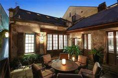 O exterior desta casa engana qualquer um. O seu interior é impressionante!