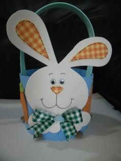 Risultati immagini per páscoa em eva Rabbit Crafts, Bunny Crafts, Easter Crafts, Christmas Crafts, Foam Crafts, Diy And Crafts, Crafts For Kids, Kindergarten Crafts, Preschool Art