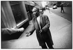 Garry Winogrand, Bromx Zoo , 1969 This vast exhibition of Garry Winogrand's photograph at the Jeu de Paume will change the p...
