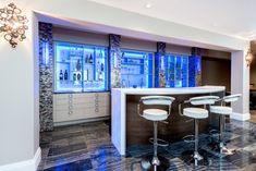 A new interior design collection of 17 Incredible Contemporary Home Bar Designs You're Going To Enjoy. Home Office, Modern Home Bar, Kitchen Modern, Reception Desk Design, Home Bar Designs, Art Designs, Design Ideas, New Interior Design, Contemporary Home Decor