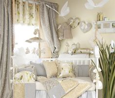 This is so beautiful! Shades of grey, pale yellow and green.