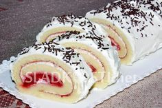 Sweet Cakes, Cheesecake, Rolls, Food And Drink, Ethnic Recipes, Fotografia, Cheesecakes, Buns, Bread Rolls