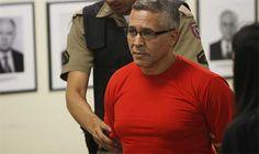 Advogado de Bola diz que não haverá confissão; filho do réu diz que ele está 'esperançoso'   Segundo a acusação, Bola teria matado a ex-amante do goleiro Bruno por estrangulamento, em junho de 2010, em sua casa, localizada na cidade de Vespasiano, na região metropolitana de Belo Horizonte. http://mmanchete.blogspot.com.br/2013/04/advogado-de-bola-diz-que-nao-havera.html#.UXV3E7U3uHg