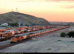 RailPictures.Net Photo: BNSF 4917 BNSF Railway GE C44-9W (Dash 9-44CW) at Barstow, California by Jean-Marc Frybourg