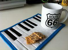 Piano Mug Rug Tutorial