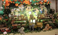 One Year Birthday, Birthday Ideas, Safari Party, First Birthdays, Minnie Mouse, Baby Shower, Instagram, Disney, Painting