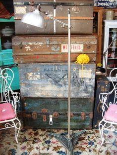 Baules Antiguos. Encontrara valor en www.unviejoalmacen.com.ar