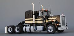 This gorgeous Model Team recreation of the famous 1975 Kenworth 900-A from the cult classic 'Smokey and the Bandit' has been built by the recently returned Chris Melby. Chris is working…