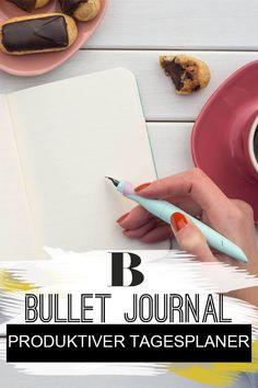 """Bullet Journal: Dieser Notizbuch-Trick bringt endlich Ordnung in dein Leben. Kennst du das befriedigende Gefühl, Punkte auf einer To-Do-Liste abzuhaken? Dann wirst du das """"Bullet Journal"""" lieben. Diese Technik macht dich endlich produktiver! #diy #tagesplaner #notizbuch #kalender Tricks, Plastic Cutting Board, Bullet Journal, Notebook, Dots, Calendar, Household, Life"""