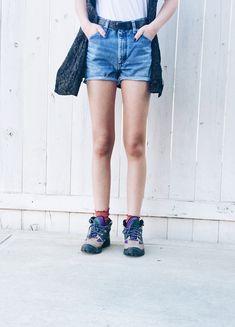 Vintage Wrangler Shorts / High Rise Shorts / Distressed Denim Shorts / Wrangler / High Waisted Denim Shorts / Mid Wash Denim / Size 28 by itsMagari on Etsy High Rise Shorts, High Waisted Shorts, Waisted Denim, Vintage Shorts, Vintage Wear, 90s Shorts, Distressed Denim Shorts, Boho Dress, Winter Jackets
