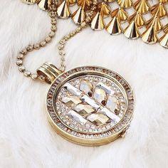 Cute.. but s p i k e y ✨ #mimoneda #jewelry #jewellery #jewelrygram #jewelrylove #elegant #fierce #spike #sparkle #necklace #interchangeable #gold