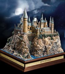 Look at this awesome sculpture of Hogwarts Castle from the Noble Collection!