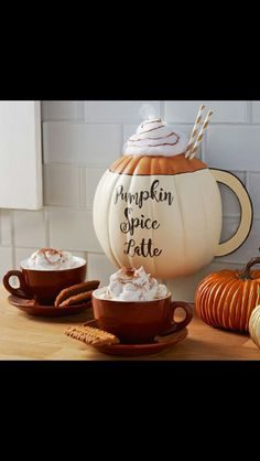There are many decorative items come from edible materials. Take pumpkin for examples. Pumpkin usually uses for fall or Halloween decoration. It can be cut and carved into a unique shape or you can si Cute Pumpkin, Pumpkin Crafts, Pumpkin Spice Latte, Diy Pumpkin, Fall Pumpkins, Halloween Pumpkins, Halloween Crafts, Halloween Blanket, Cute Halloween Decorations