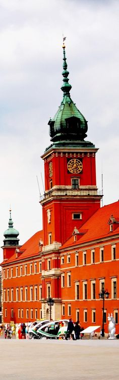 clock tower-Amazing Warsaw Old Town Places In Europe, Places Around The World, The Places Youll Go, Travel Around The World, Around The Worlds, Warsaw Old Town, Prague Old Town, Warsaw Poland, Famous Landmarks
