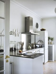 note: lovely, simple kitchen.