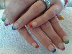 5 verschillende kleuren French met bijpassende steentjes door: Lenette Koolwijk
