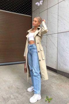 Miningz Manuel  <br> Womens White Jeans, Best Jeans For Women, Good Woman, Light Blue Ripped Jeans, Moda Jeans, Women's Jeans, Beste Jeans, Trendy Jeans, Casual Jeans