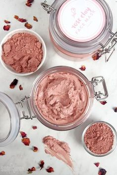 This Rose Clay Face Mask recipe is great for dry or mature skin. Rosehip seed oil, chamomile extract and rose absolute create a luxurious clay face mask. Homemade Face Masks, Homemade Skin Care, Homemade Beauty Products, Diy Skin Care, Lush Products, Body Products, Diy Cosmetic, Cream For Oily Skin, Clay Face Mask