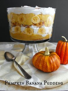 """This #thankfullysweet fusion of Pumpkin Pie and Southern Banana Pudding is a one-of-a-kind Autumn dessert that will have you sittin' up and sayin' """"howdy, ya'll!"""" #ad"""