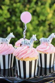 Pretty Pink Zebra themed birthday party! - LAURA'S little PARTY