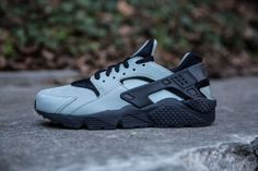 brand new 6f89f c5646 NIKE AIR HUARACHE RUN PRM MICA GREEN BLACK www.cornerstreet.fr