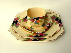 vintage tulip dishes   Like this item?